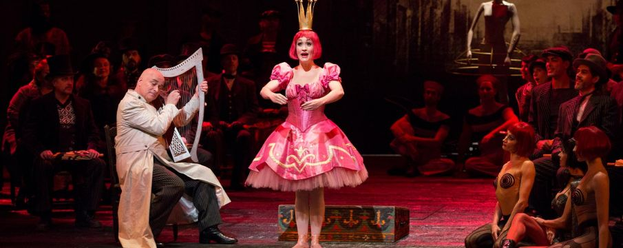 a shot of the stage performance of Offenbach's Les Contes d'Hoffmann